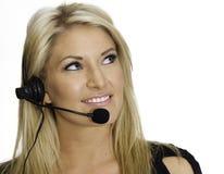 Attraktiver blonder Kundenkontaktcenterrepräsentant Stockbild