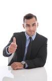 Attraktiver Geschäftsmann, der Kamera gegenüberstellt: Daumen oben lokalisiert auf whi Lizenzfreies Stockbild