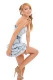 Attraktiver Jugendlicher des Nahaufnahmeportraits im blauen Kleid Stockfotos