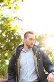 Attraktiver Mann mit Blendenfleck Lizenzfreie Stockbilder