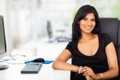 Attraktive weibliche Exekutive stockfotografie