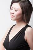 Attraktives asiatisches Mädchen Lizenzfreies Stockfoto