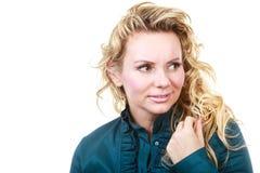 Attraktives blondes Frauenportrait Lizenzfreie Stockbilder