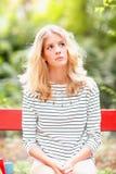 Attraktives blondes weibliches Porträt Stockfotos