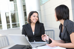 Attraktives Frauen-Geschäfts-Team Lizenzfreies Stockfoto