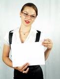 Attraktives Frauendarstellen Stockfoto