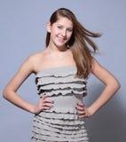 Attraktives junges Mädchen des Studiotriebporträts lizenzfreies stockfoto