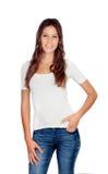 Attraktives junges Mädchen mit Jeans Stockfotografie