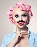 Attraktives Mädchen mit dem Schnurrbart stockbilder