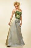 attraktivt barn för kvinna för klänningaftonstående Royaltyfria Bilder