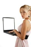 attraktivt blont barn för kvinnligholdinganteckningsbok Royaltyfri Fotografi