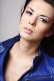 attraktivt brunettbarn royaltyfria foton