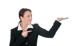 attraktivt göra en gest för affärskvinnor royaltyfria bilder