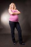 attraktivt gravid kvinnabarn Arkivfoto