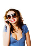 attraktivt kallande mobilt telefonkvinnabarn Royaltyfria Bilder