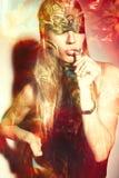 Attraktivt kompositfoto för ung kvinna arkivbild
