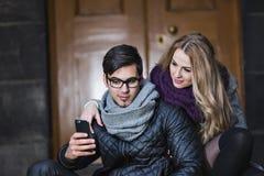 attraktivt parförälskelsebarn Fotografering för Bildbyråer