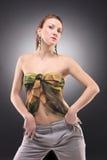 attraktivt posera kvinnabarn Royaltyfria Bilder