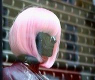 Attrappe mit dem rosa Haar stockfotos