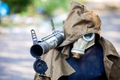 Attrappe, zum von feindlichen Scharfschütze-, Kriegsaktionsnachwirkungen, von Ukraine- und Donbass-Konflikt zu betrügen stockfoto