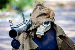 Attrappe, zum von feindlichen Scharfschütze-, Kriegsaktionsnachwirkungen, von Ukraine- und Donbass-Konflikt zu betrügen stockfotos