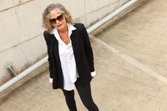 attrative outdoors woman fotografering för bildbyråer