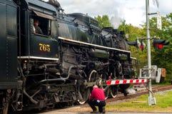 Attraversamento del treno a vapore Fotografie Stock Libere da Diritti