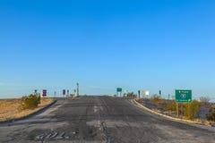 Attraversando a 8 da uno stato all'altro con la via nociva Fotografie Stock Libere da Diritti