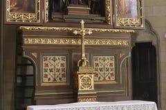 Attraversi sull'altare dei san Stephen, Ladislaus e Emeric nella cattedrale di Zagabria Fotografie Stock Libere da Diritti