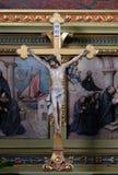 Attraversi sull'altare nella basilica del cuore sacro di Gesù a Zagabria Immagine Stock