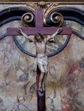 Attraversi sull'altare nella chiesa di St Leonard di Noblac in Kotari, Croazia Fotografie Stock