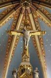 Attraversi sull'altare principale nella cattedrale di Zagabria Fotografia Stock