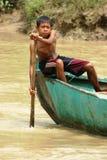 Attraverso il fiume Fotografie Stock Libere da Diritti