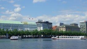Attrazione Amburgo - jungfernstieg - binnenalster Fotografia Stock Libera da Diritti