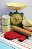 Attrezzatura d'annata della cucina.  Verticale. Fotografie Stock Libere da Diritti
