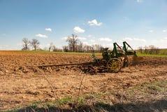 Attrezzatura dell'azienda agricola di Amish nel campo 2 Fotografia Stock Libera da Diritti