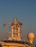 Attrezzatura di Comm delle navi al crepuscolo Fotografia Stock
