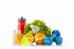 Attrezzatura di forma fisica e di sport con l'alimento di eco Dieta e stile di vita sano Immagini Stock