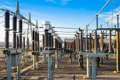Attrezzatura di un'alta tensione delle reti elettriche Immagini Stock Libere da Diritti