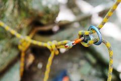 Attrezzatura per l'arrampicata o l'alpinismo Fotografia Stock