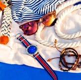 Attrezzature casuali degli accessori di estate del ` s degli uomini immagine stock