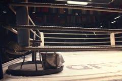 Attrezzature in un angolo del ring fotografia stock libera da diritti