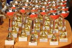 Attribuez l'attribution de trophées des gagnants comme fond Photos stock