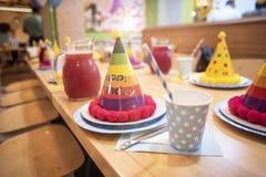 Attributen van kinderen` s vakantie De partij van de kinderen` s verjaardag royalty-vrije stock foto