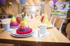 Attributen van kinderen` s vakantie De partij van de kinderen` s verjaardag royalty-vrije stock afbeelding