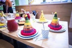 Attributen van kinderen` s vakantie De partij van de kinderen` s verjaardag royalty-vrije stock afbeeldingen