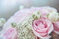 attributi alla moda di nozze della sposa bride& classico x27; mazzo di s immagini stock