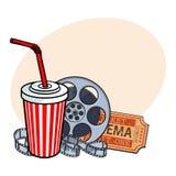 Attributi del cinema, bobina di film, biglietto, selz in tazza di carta illustrazione di stock
