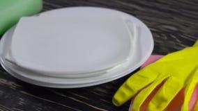 Attributs pour les plats de lavage banque de vidéos
