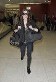 Attrice Ashley Greene all'aeroporto di LASSISMO fotografie stock